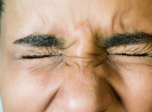 Sharp eye pain when blinking - eye hurts when blinking